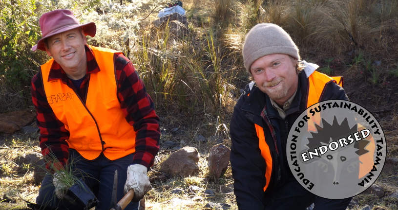 Students Bunji and Peter rehabilitating Flagstaff Gully Creek